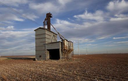 Abandoned grain elevator in Nolan County 2011